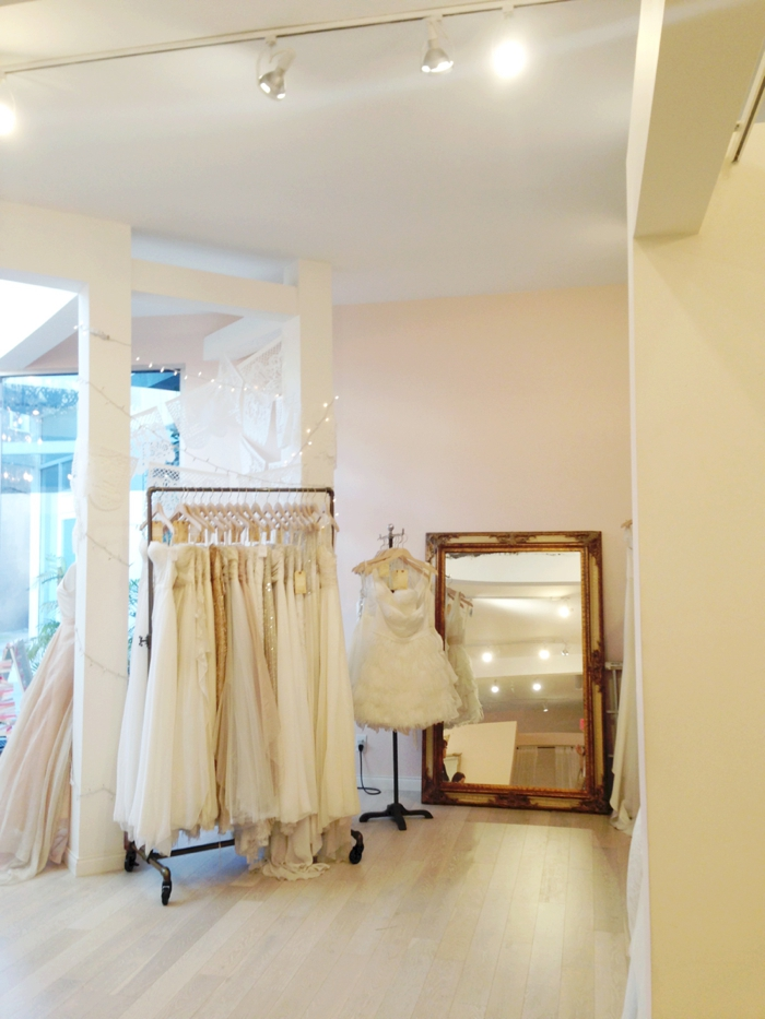 Bravwel/wedding dress shopping1
